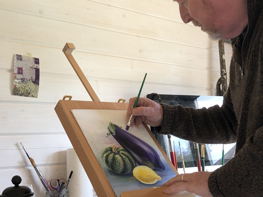 shaun forward painting the 'lemon in front'